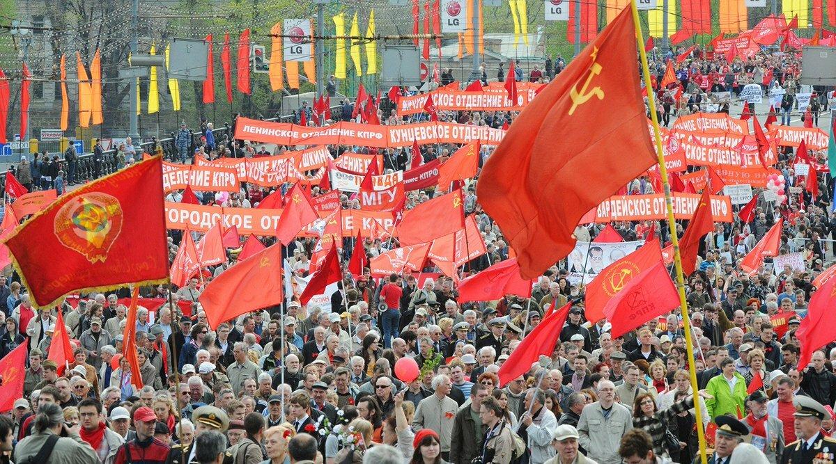 По всей стране проходят массовые задержания коммунистов