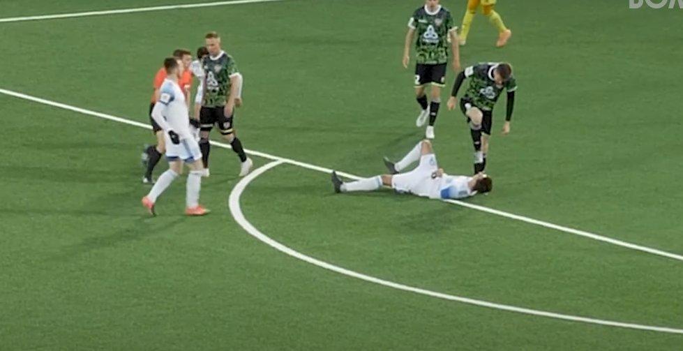 Футболиста «Волгаря» едва не покалечили во время матча