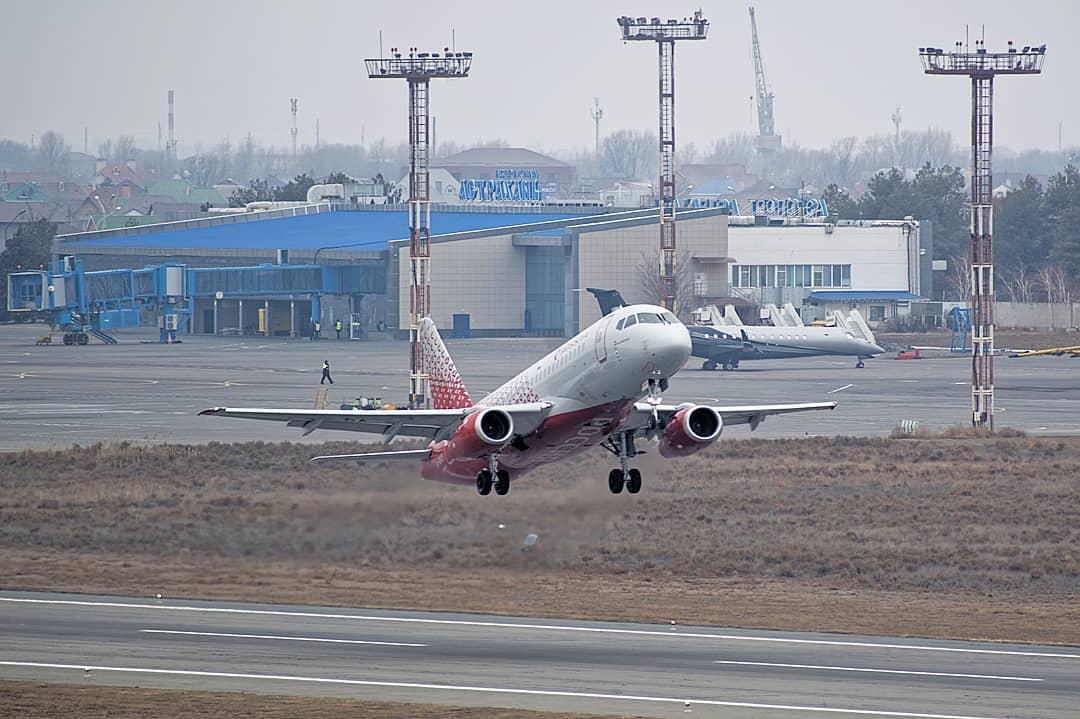 Астраханцы стали чаще летать самолетами
