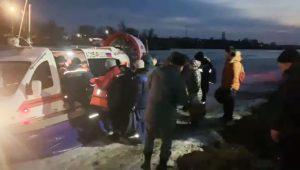 Жителей отрезанных от берега сёл доставляет судно на воздушной подушке