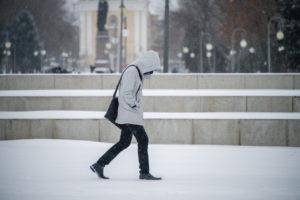 Ежегодно Астраханскую область покидают тысячи людей