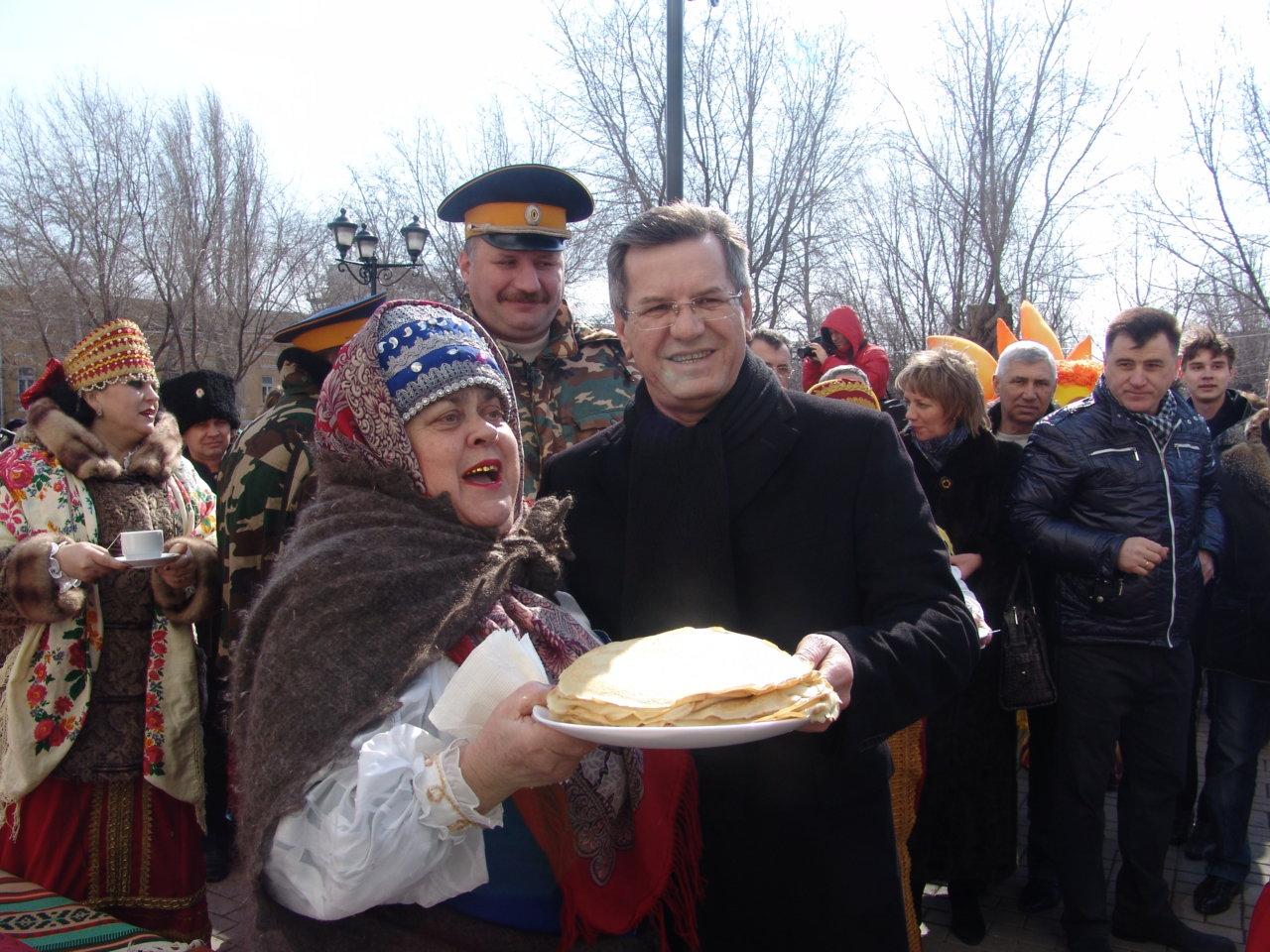 В Астрахани выросли цены на ингредиенты для блинов