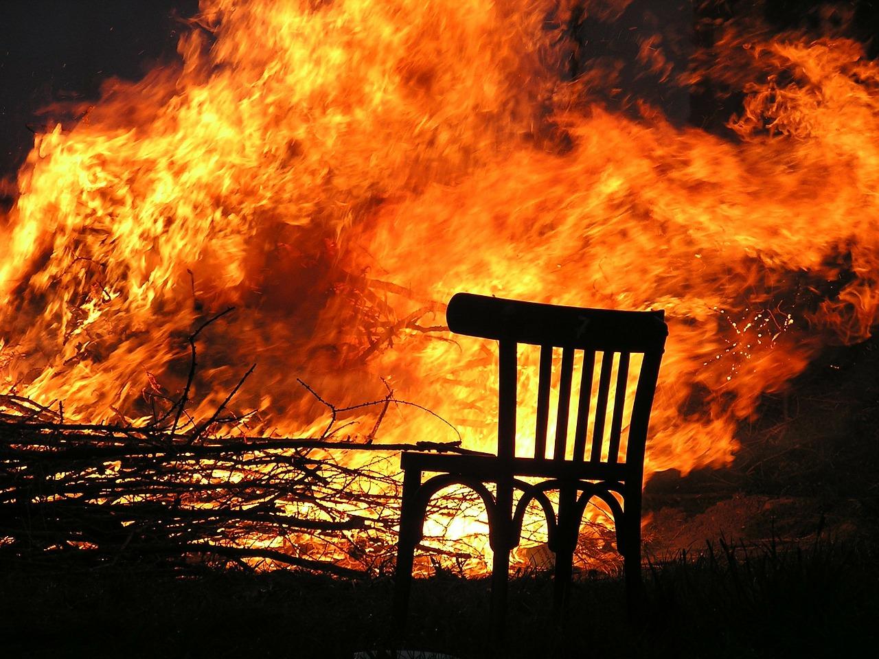 Астраханскую область охватили сотни пожаров