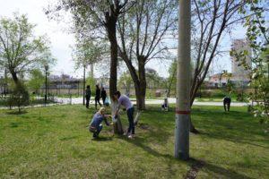 В районах Астрахани устроили День чистоты