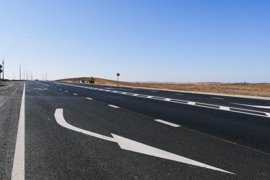 Трассу Астрахань-Камызяк капитально ремонтируют за федеральные деньги