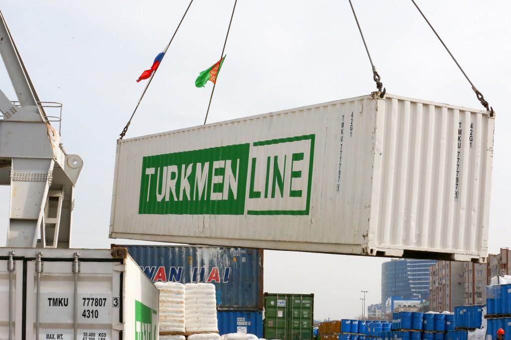 Туркменистан продолжает помогать Астраханской области гуманитаркой