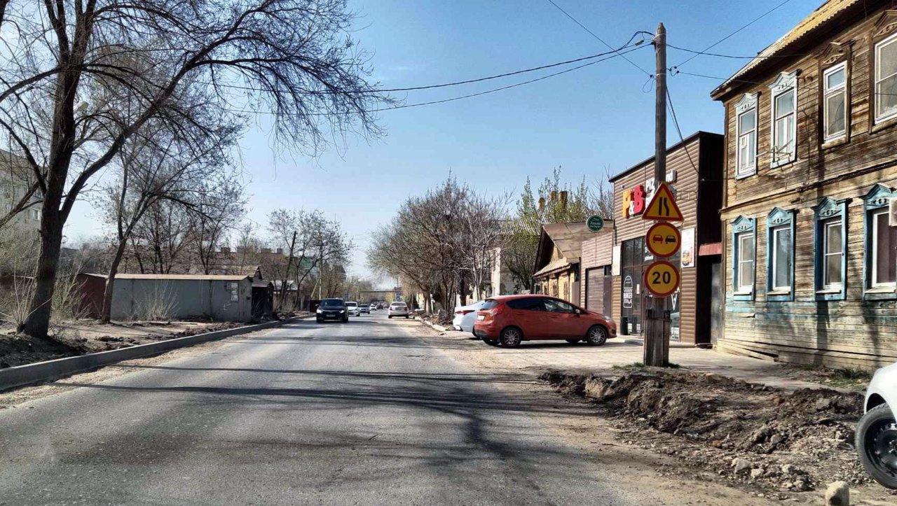 Подрядчиков попросили не забывать о пешеходах во время ремонта дорог