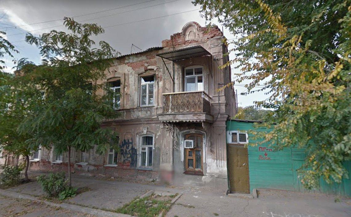 Власти Астрахани продолжают встречаться с жителями аварийных домов