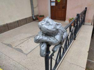 В центре Астрахани украли памятник коту