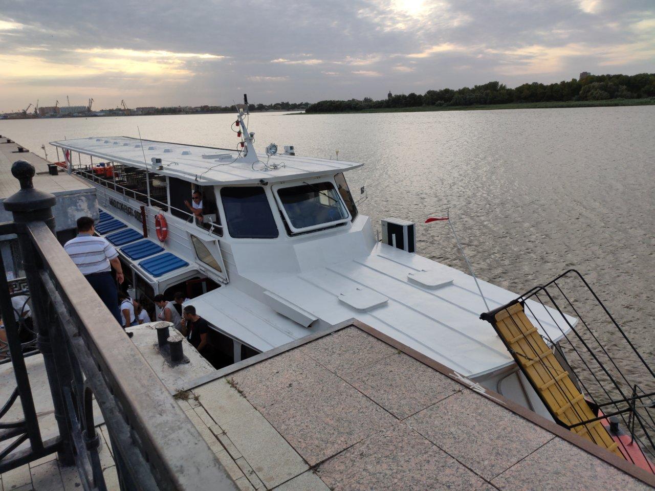 Астраханский речной трамвайчик начнет навигацию в мае