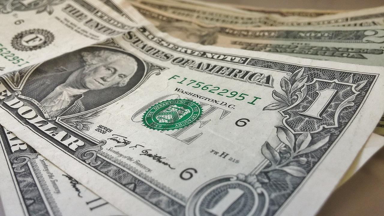 Банк «Открытие»: сколько будет стоить доллар в июне