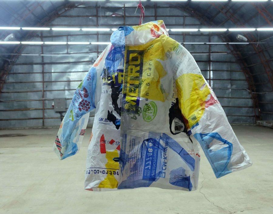 Астраханцам предлагают создавать одежду из мусора