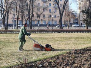На улицах Астрахани начали наводить порядок