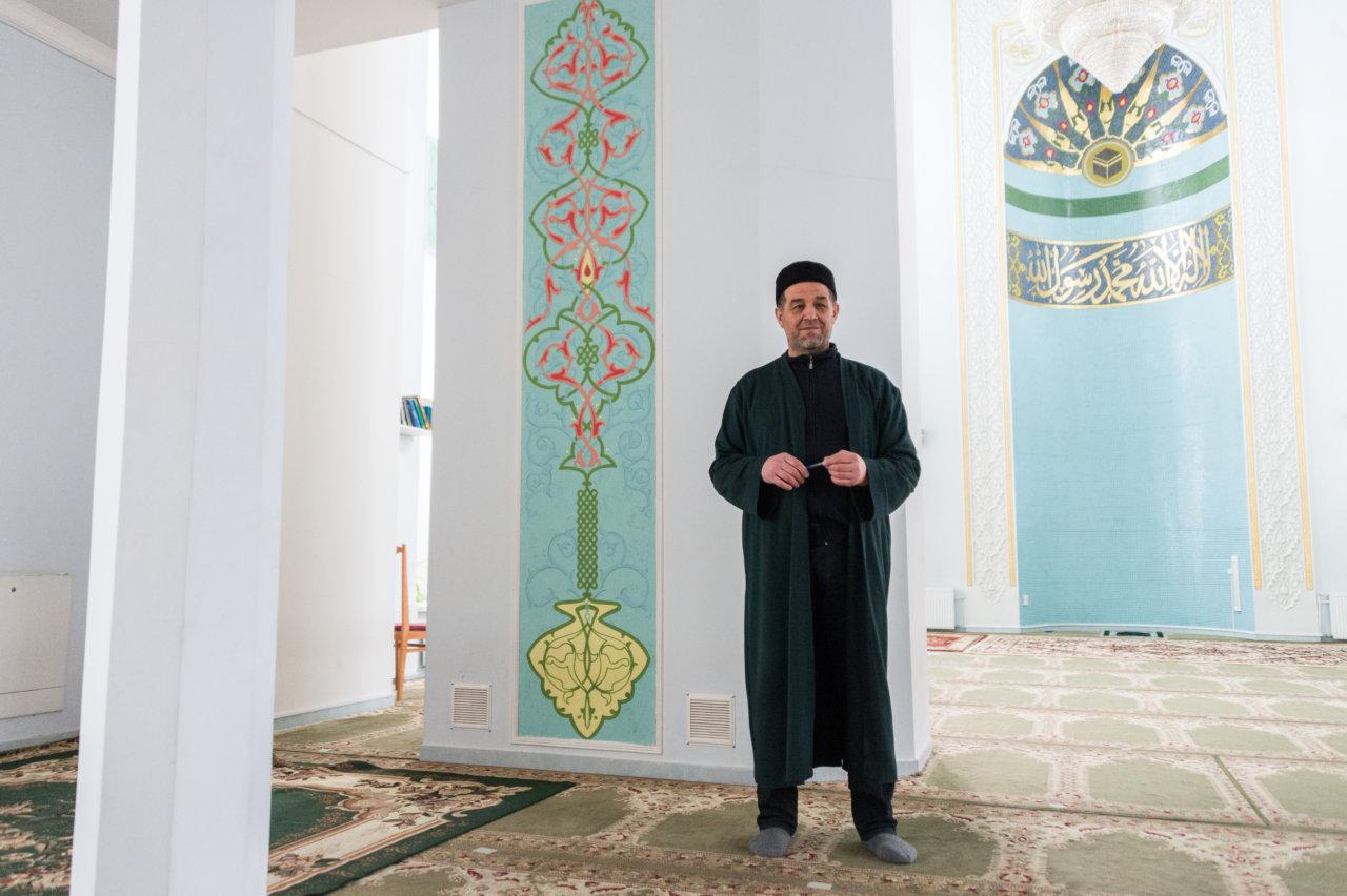 Как сегодня протекает жизнь в Белой мечети