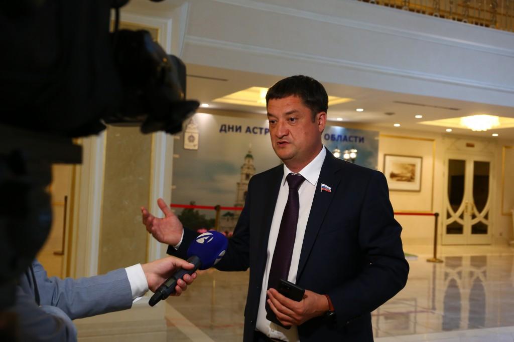 Ринат Аюпов призвал бизнес и науку Астраханской области работать в тандеме