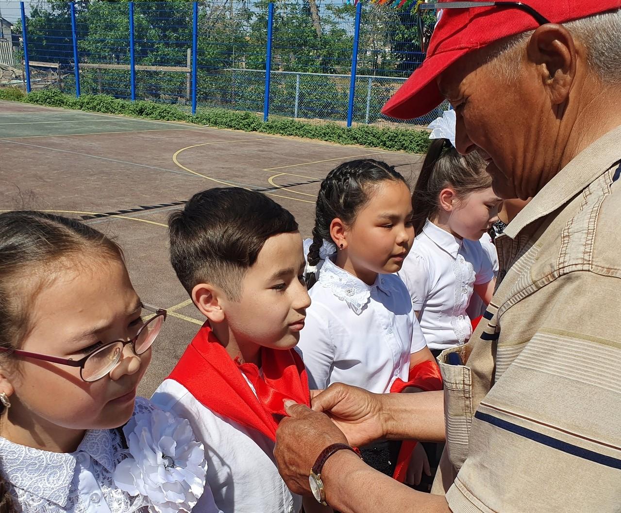 В селе Астраханской области отметили День пионерии