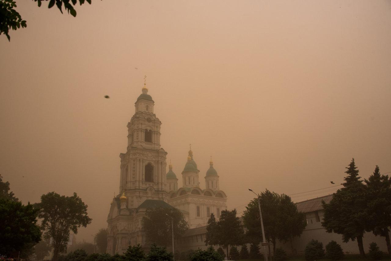 Олег Шеин рассказал о причинах пыльной бури в Астрахани