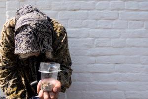 В Астрахани объяснили причины массового попрошайничества