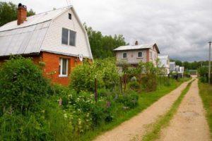 Садоводческие товарищества в Астраханской области уклоняются от заключения  договоров на вывоз мусора