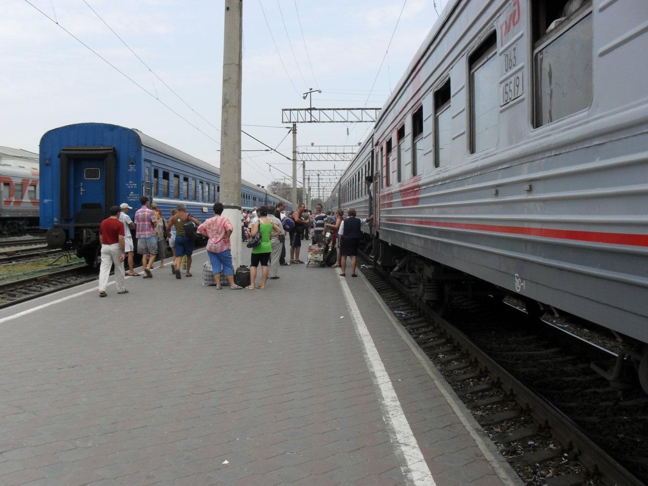 Беспересадочный купейный вагон начал курсировать между Мурманском и Астраханью