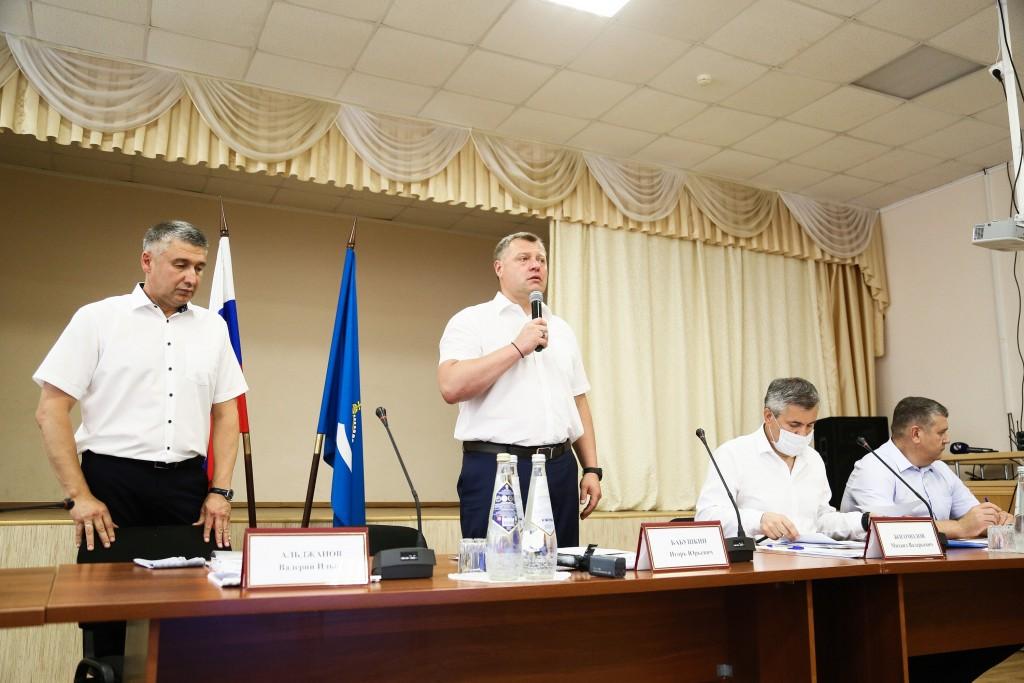 Игорь Бабушкин оценил работу главы Наримановского района