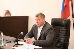 Камызякцы рассказали Игорю Бабушкину о разбитых дорогах и мостах