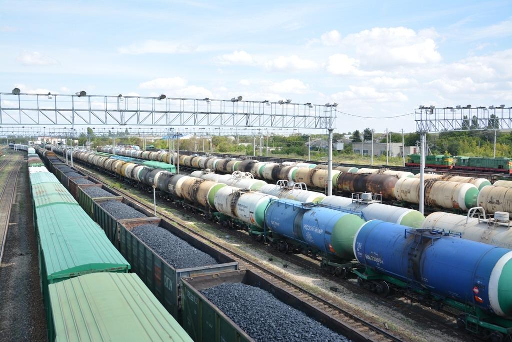 Погрузка на железной дороге в Астраханской области составила более 3,2 млн тонн в январе-мае