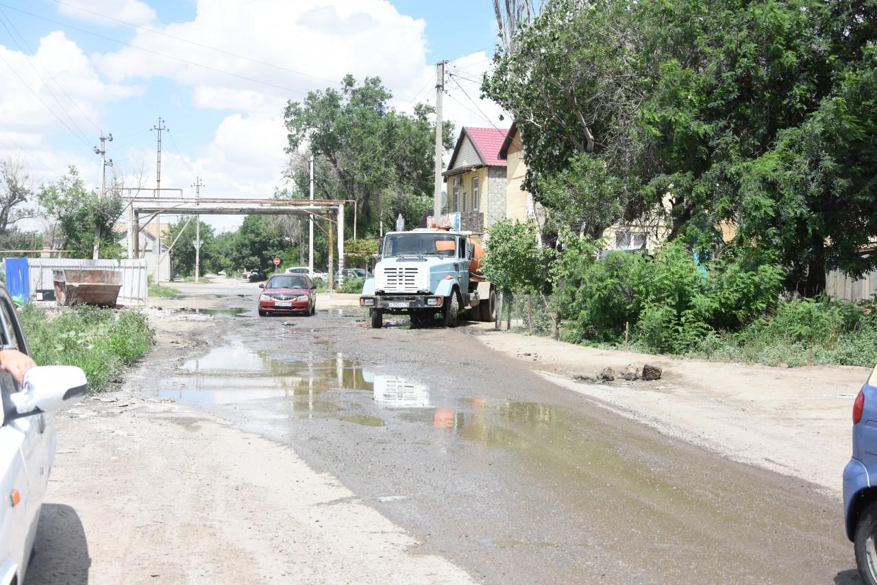 Течь канализации возле храма будут ликвидировать совместными усилиями