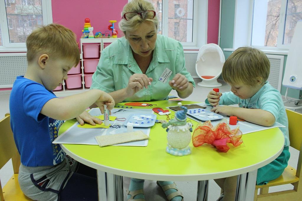 В Астрахани не хватает воспитателей