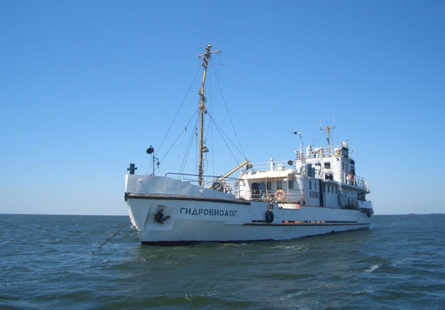 Научное судно возвращается в Астрахань из-за пьяного матроса
