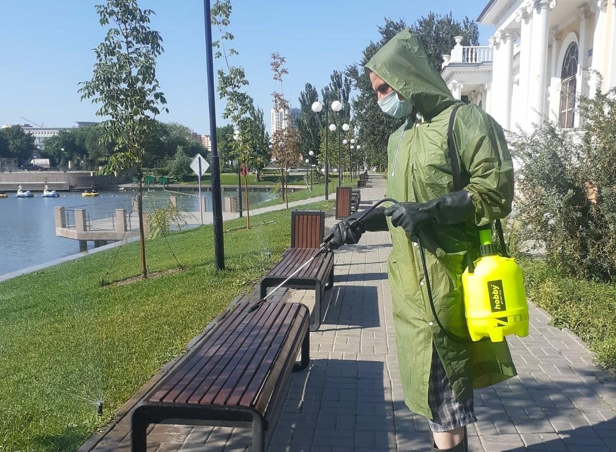 В Астрахани дезинфицируют улицы