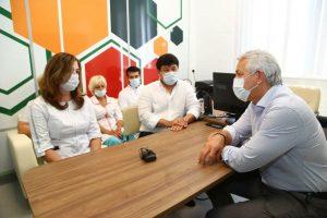 Леонид Огуль поможет врачам с психологической разгрузкой