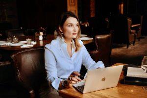 Деловые и успешные женщины покидают Астрахань