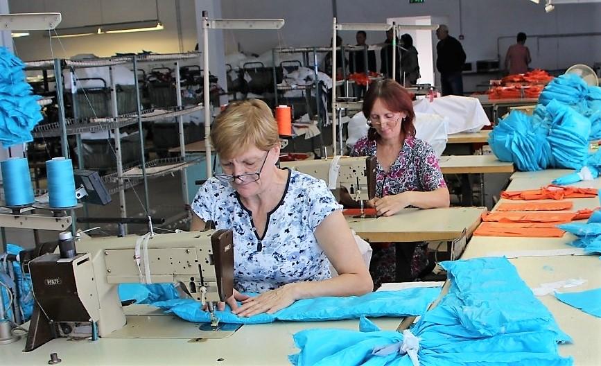 В Астраханской области стали шить больше одежды