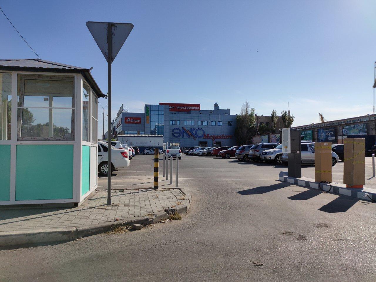 Парковка возле «Элко» на Адмиралтейской скоро станет платной