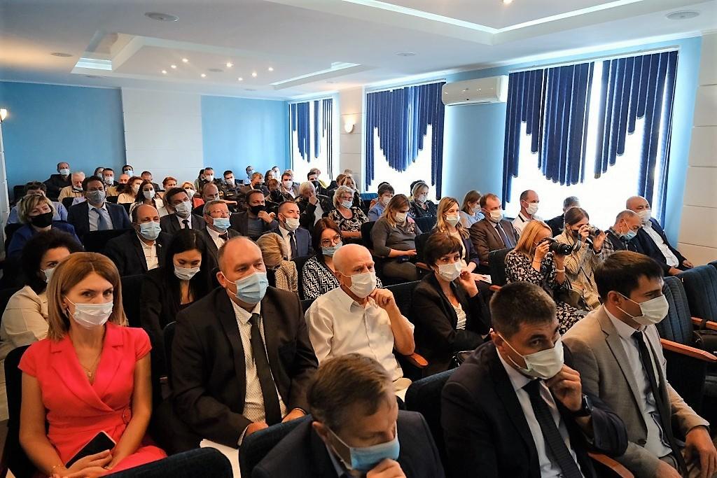 Игорь Бабушкин ответил на острые вопросы ахтубинцев