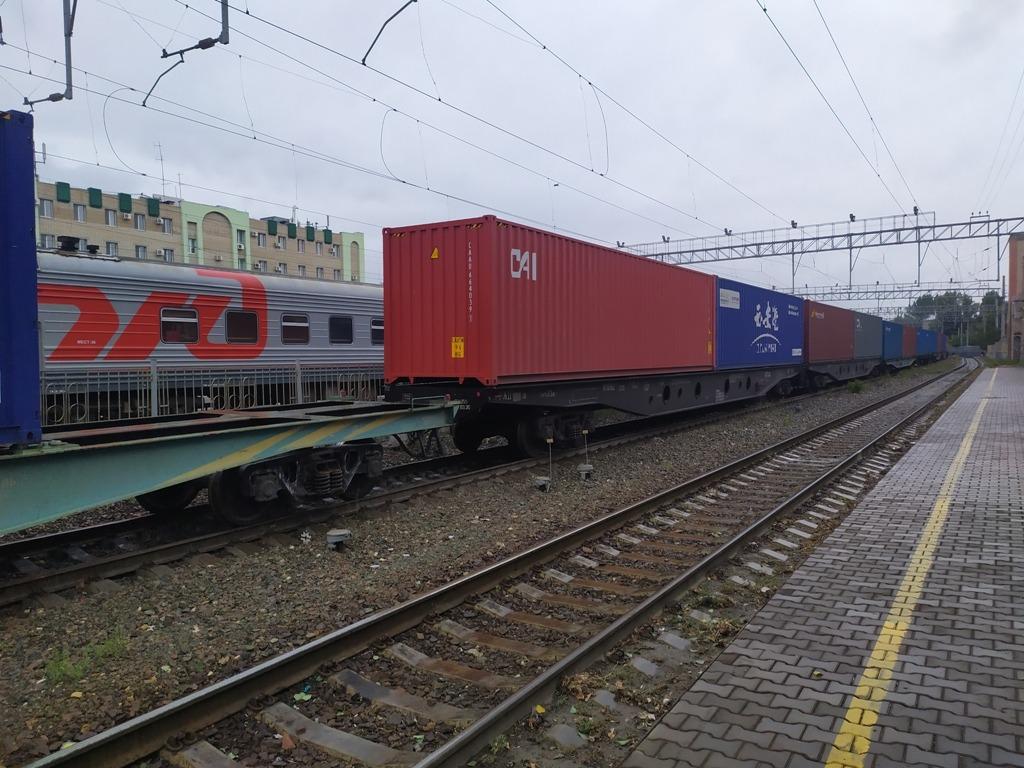 Перевозки контейнеров на ПривЖД выросли вдвое в январе-августе