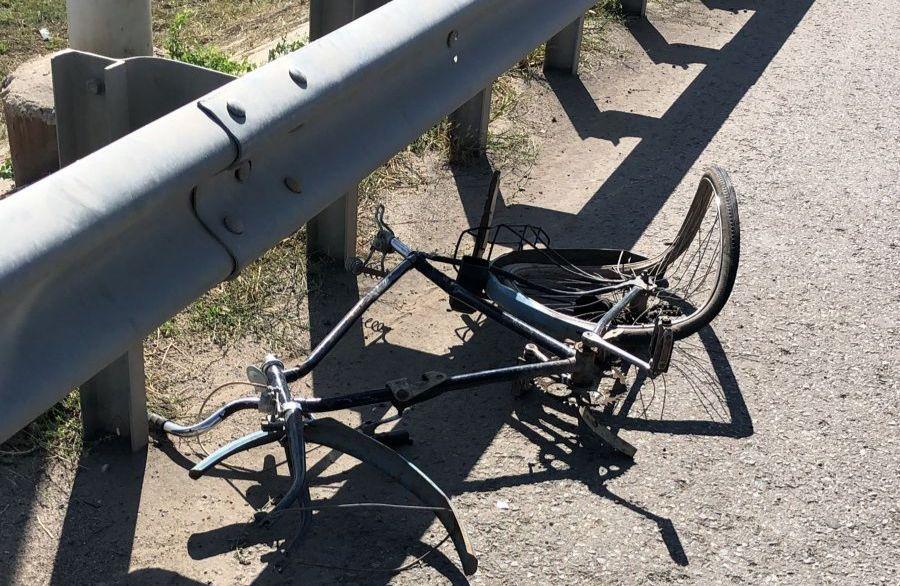 На мосту возле улицы Латышева погиб велосипедист