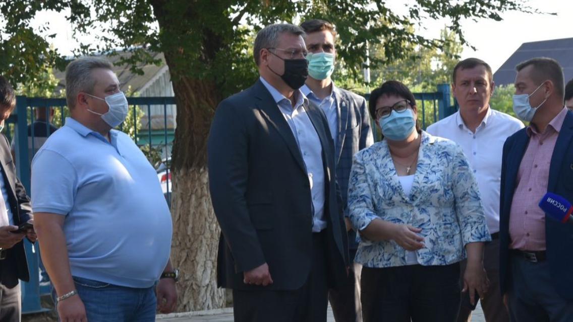 Астраханская школа довоенной постройки получит деньги на капремонт