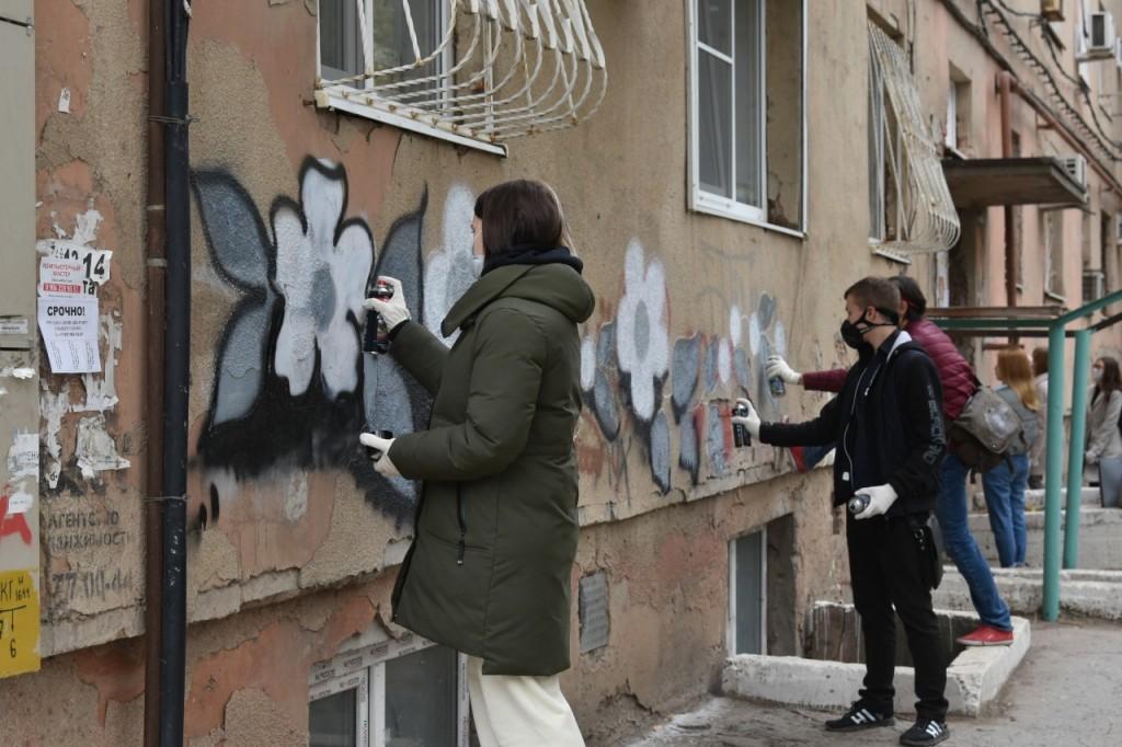 Власти Астрахани ведут борьбу с рекламой наркотиков