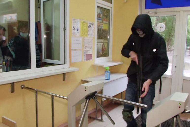 Студентов АКВТ научат обороняться при нападении стрелка