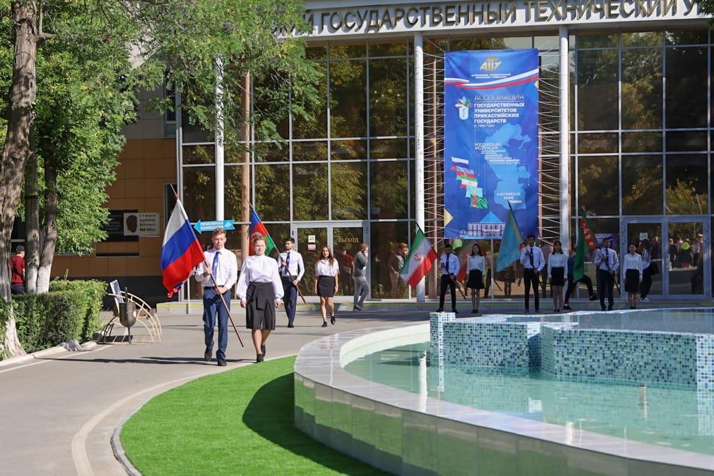 В АГТУ торжественно открыли фонтан в честь сотрудничества вузов Прикаспия