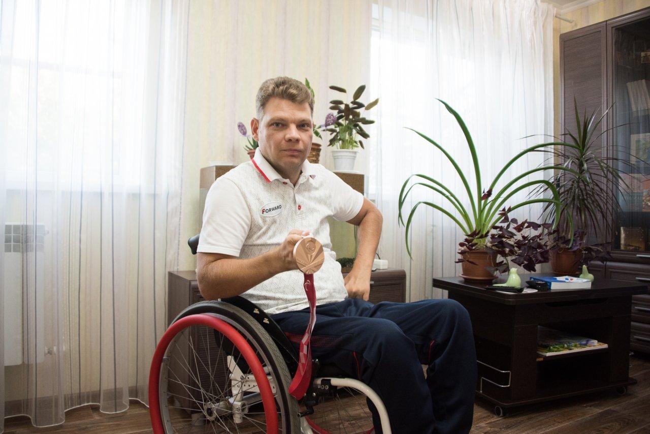 Астраханец Алексей Леонов рассказал о своем пути к паралимпийской медали