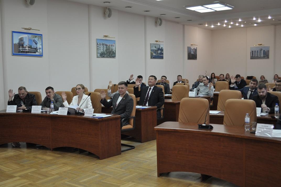 Городскую Думу Астрахани покинули два депутата