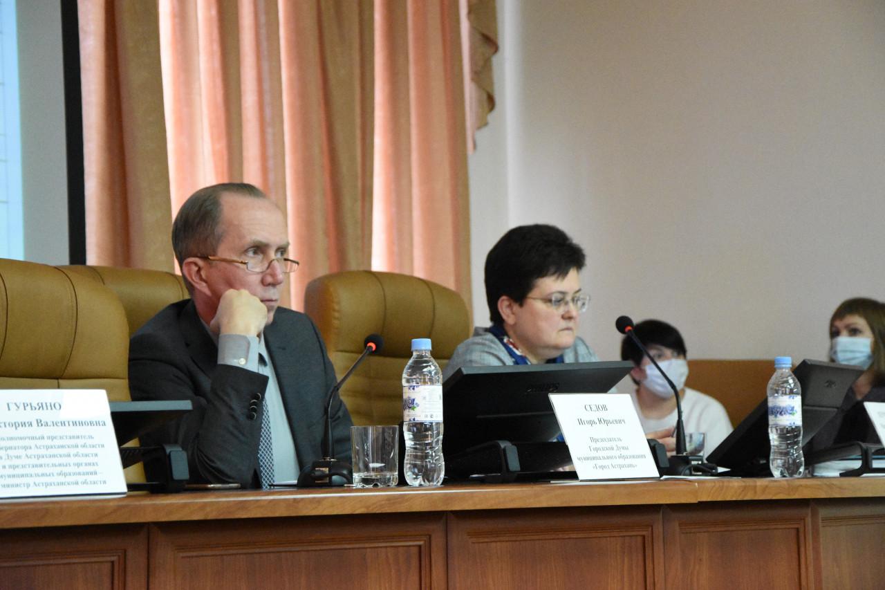 Игорь Седов оценил работу астраханской Гордумы как «могло быть и лучше»