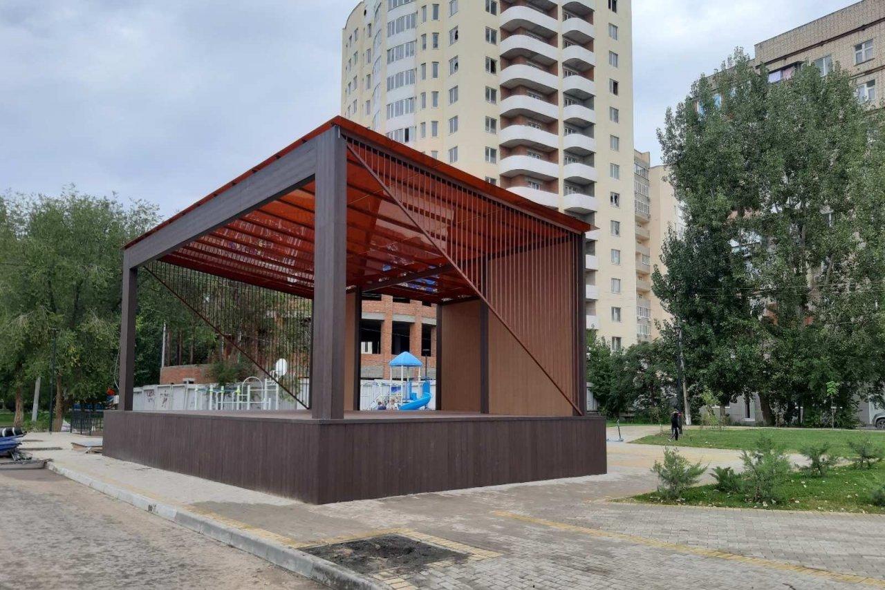 В Астрахани завершается благоустройство сквера на Чехова