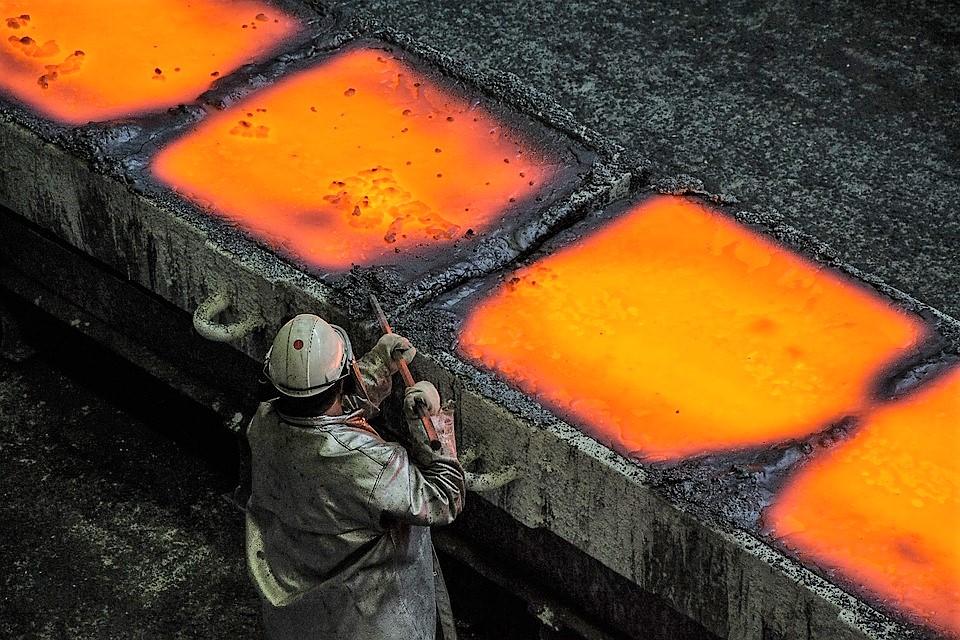 Банк «Открытие»: рост налогов может ограничить инвестиции металлургических компаний