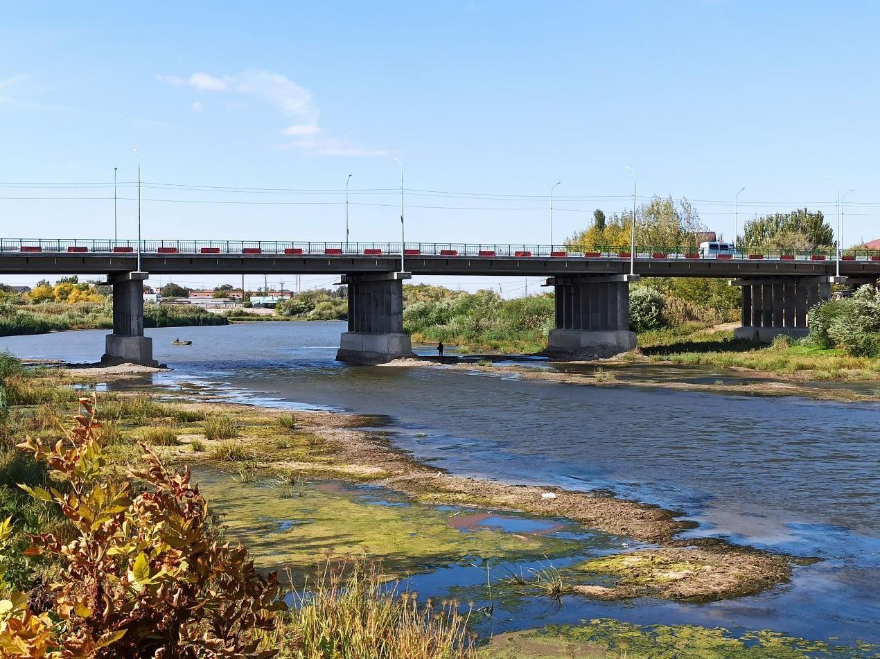 Река Царев критически обмелела за два месяца