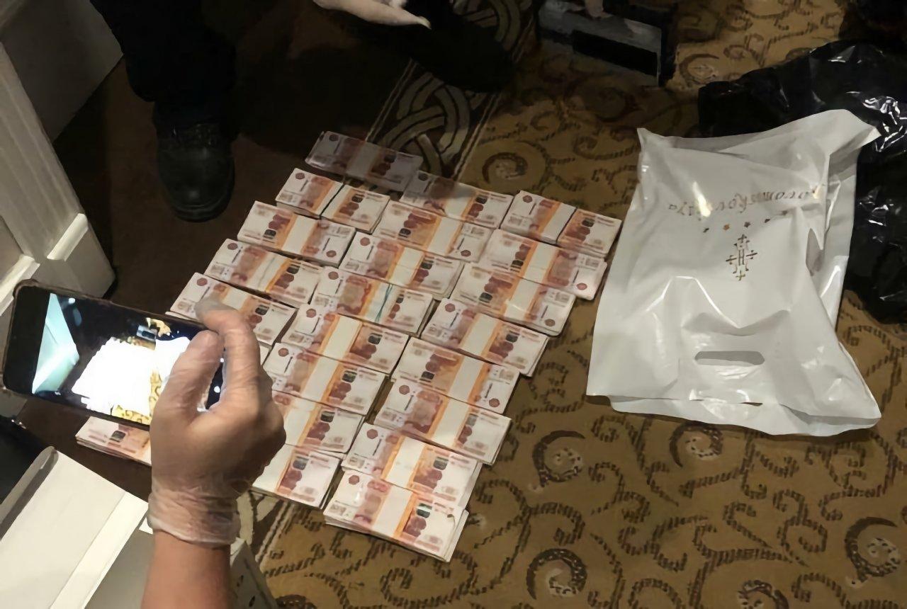 Мошенник в Астрахани обещал освобождение из СИЗО за 12 миллионов