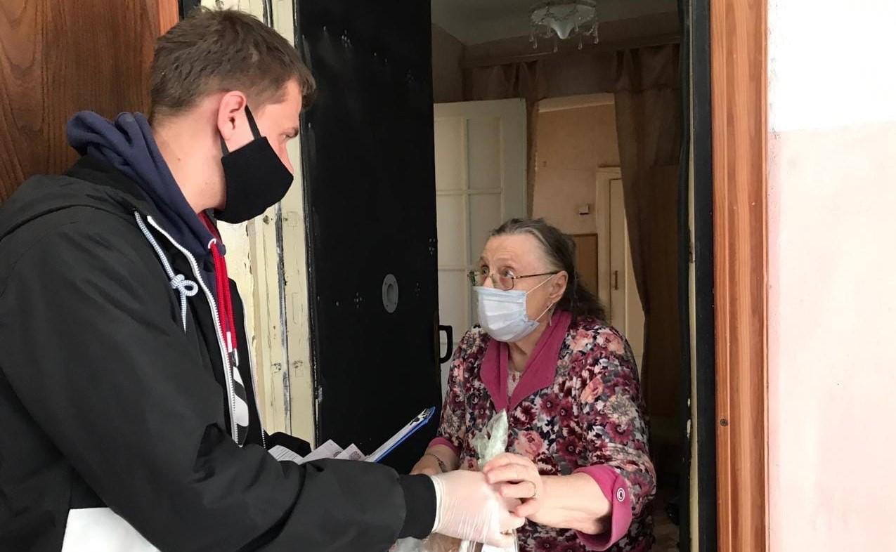 Игорь Бабушкин призвал астраханцев не забывать о пожилых родственниках